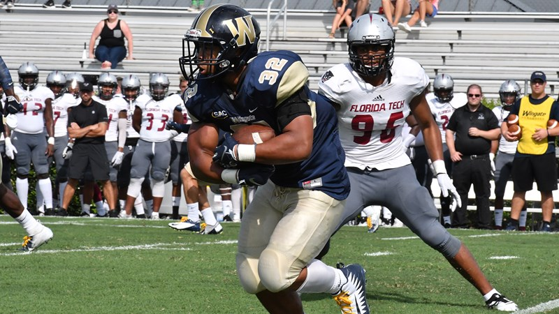 Wingate Drops Another Tight One With 26 23 Setback Against Panthers Wingate University Athletics